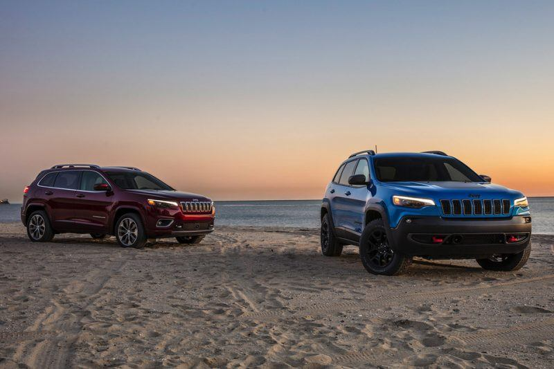 2020 Jeep Cherokee in the beach